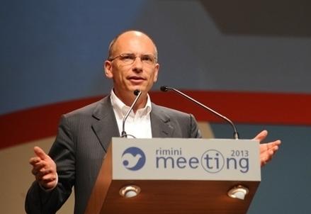 Enrico Letta sul palco del Meeting di Rimini
