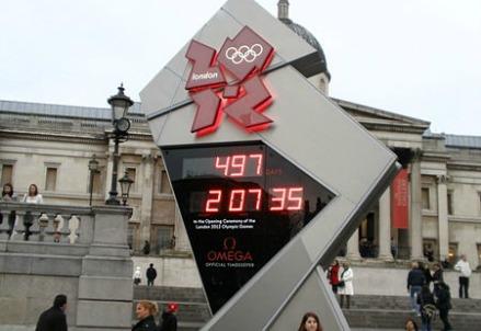 Olympic Countdown Clock in Trafalgar Square   (Amanda Slater)