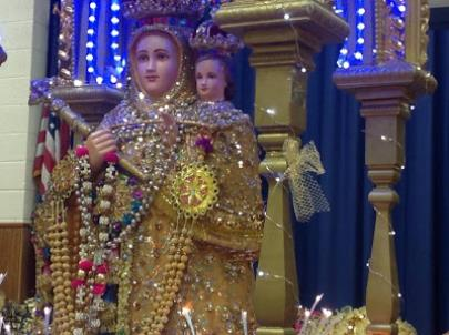 This image is one of the few that depicts the Blessed Mother wearing a sari. (Rambling Follower)
