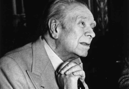 Jorge Luis Borges (1899-1986) (Immagine d'archivio)
