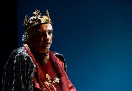Franco Branciaroli è Enrico IV (foto Umberto Favretto, ctbteatrostabile.it)