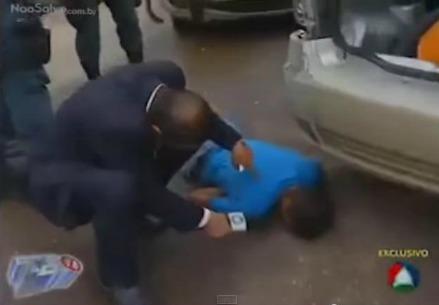 Il reporter brasiliano prova a intervistare un uomo morto