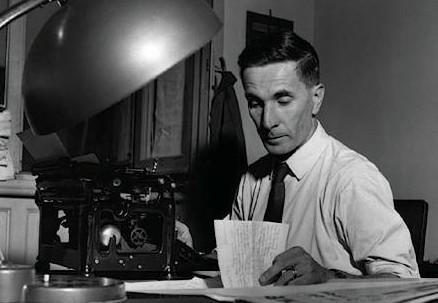 Dino Buzzati (1906-1972) (Immagine d'archivio)
