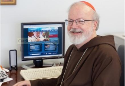 Il cardinale Seán Patrick O'Malley nel suo studio a Boston