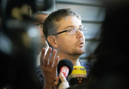 Stéphane Charbonnier, ex direttore di Charlie Hebdo, ucciso dagli estremisti islamici il 7 gennaio (Immagine dal web)