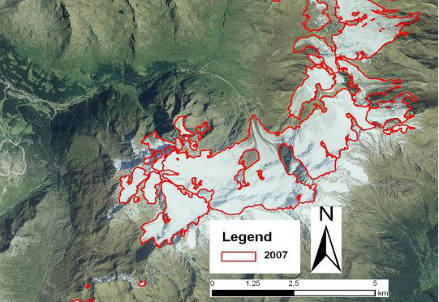 Ghiacciai del Gruppo Ortles Cevedale. I perimetri glaciali sono stati delineati sulla base dell'ortofoto 2007 (CGR-BLOM, Flight Terraitaly IT2000)