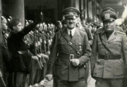Hitler e Mussolini al Brennero il 18 marzo 1940 (Foto dal web)