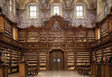 La biblioteca dei Gerolamini a Napoli (Immagine dal web)