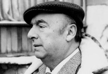 Pablo Neruda (1904-1973) (Immagine d'archivio)