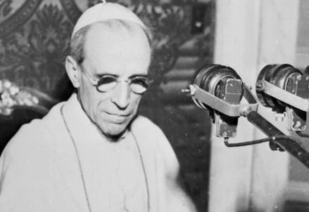 Pio XII (1876-1958; immagine d'archivio)