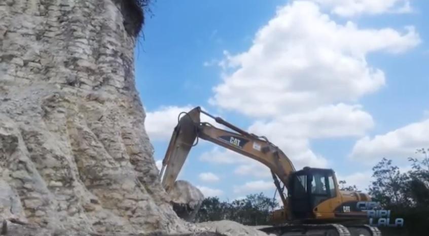 Le ruspe nel sito di Belize