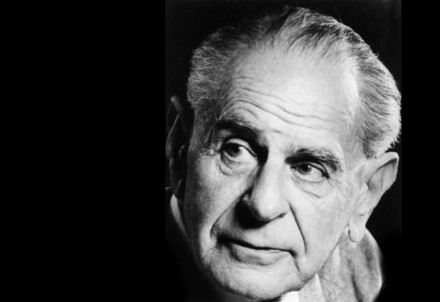 Karl Popper (1902-1994) (Immagine d'archivio)
