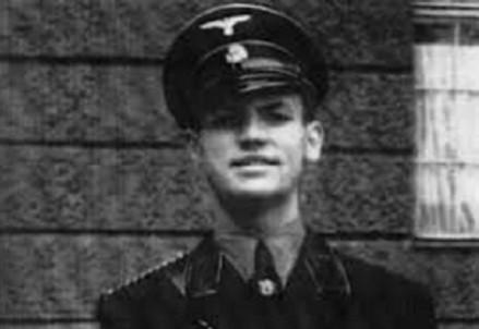 Erich Priebke con la divisa delle SS (1913-2013) (Immagine d'archivio)