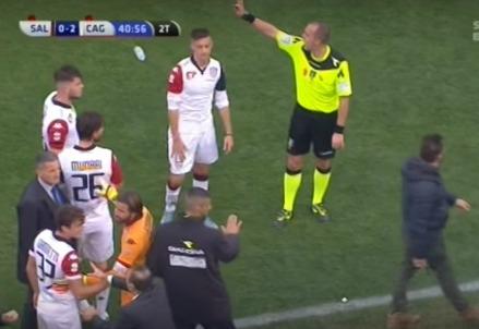 La rissa della partita Salernitana Cagliari