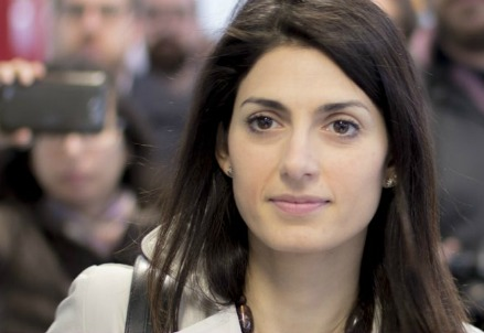 Virginia Raggi, candidata M5s a Roma (Foto dall'account Twitter di Virginia Raggi)