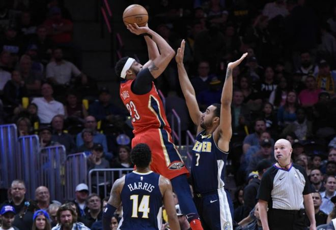 Anthony Davis in campo con New Orleans nei playoff NBA (Foto LaPresse)