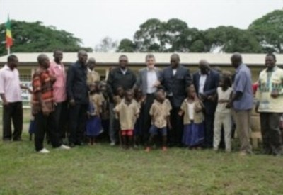 Inauguration of the Tchitondi primary school (Photo AVSI)