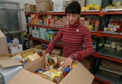I pacchi alimentari per i più bisognosi (immagine d'archivio)