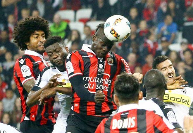 Ligue 1, il Nizza travolge il Monaco: 4-0, doppietta di Mario Balotelli