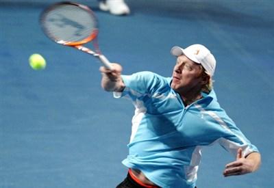 Boris Becker, 46 anni, nel corso di un torneo-esibizione (Infophoto)