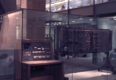 ACE (Automatic Computer Engine) 1950 Pilot, il prototipo della macchina di Turing esposto dal 1958 nella galleria principale dello Science Museum di Londra.