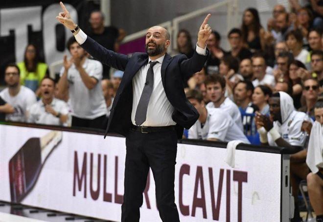 Maurizio Buscaglia, coach dell'Italia Under 20 di basket (Foto LaPresse)