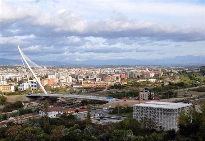 Il ponte di Calatrava e il Planetario in costruzione a Cosenza