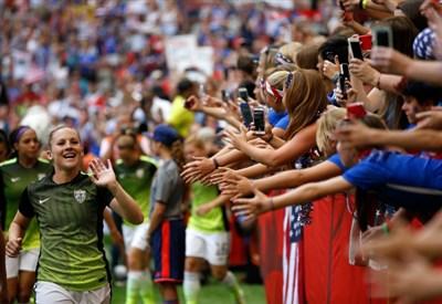 Calcio femminile (infophoto)
