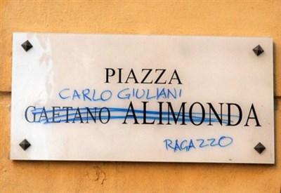 La morte di Carlo Giuliani a Genova (Foto: LaPresse)