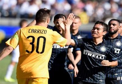 L'Inter festeggia la vittoria contro il Real Madrid in Guinness Cup