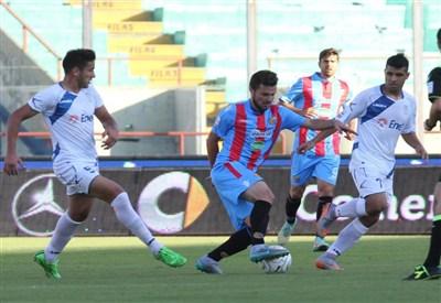 Agguato degli Ultras del Catania al pullman della Juve Stabia