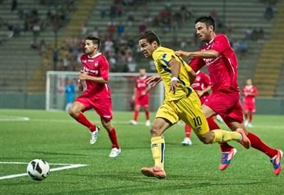 Mervan Celik, attaccante svedese del Pescara (Infophoto)