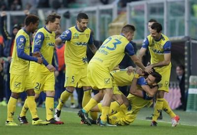Sampdoria, inizio choc e risveglio tardivo: Meggiorini-Pellissier, vince il Chievo 2-1