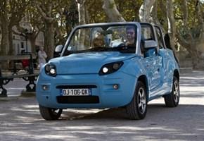 CITROEN/ Dall'accordo con il Gruppo Bolloré nasce un 100% elettrico: ecco la Bluesummer cabriolet