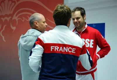 I due capitani: Arnaud Clement e Severin Luthi (da facebook.com/DavisCupTennis)
