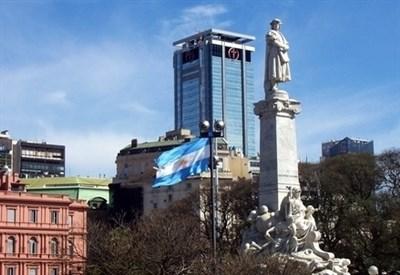 La statua di Cristoforo Colombo prima della rimozione (CC Leandro Kibisz)