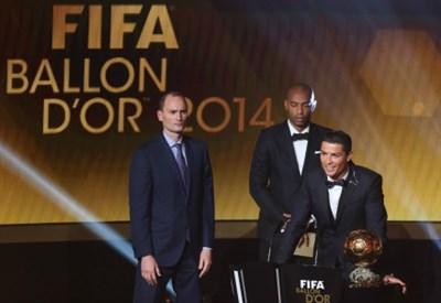 Cristiano Ronaldo riceve il Pallone D'oro