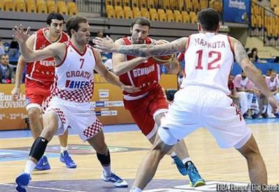 La difesa croata contro la Georgia (Infophoto)