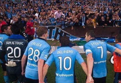Alessandro Del Piero, 39 anni, con i compagni (esclusiva)