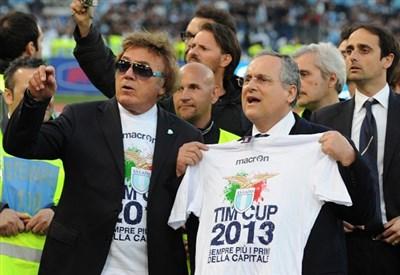Claudio Lotito festeggia la Coppa Italia 2013 (Infophoro)