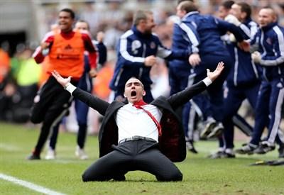 Paolo Di Canio esulta per il secondo gol del Sunderland contro il Newcastle (Infophoto)