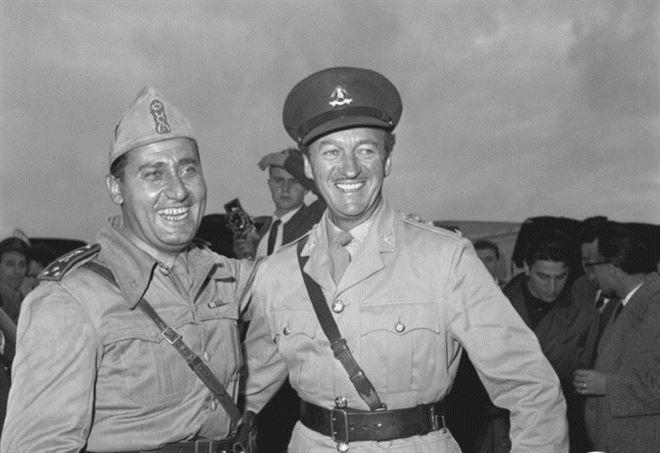 Alberto Sordi con David Niven (foto archivio Istituto Luce)