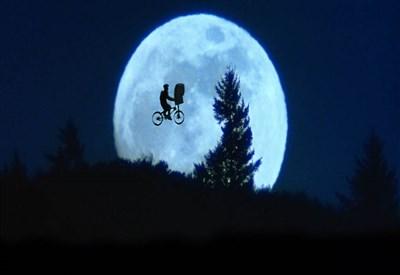 Una scena del film E.T