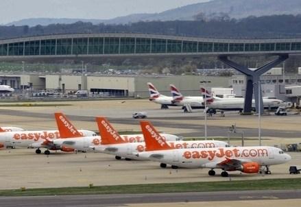 ALITALIA/ Easyjet e 150 milioni spingono la compagnia verso Air France