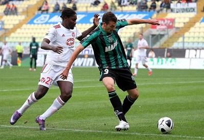 L'attaccante del Varese Ebagua (Infophoto)