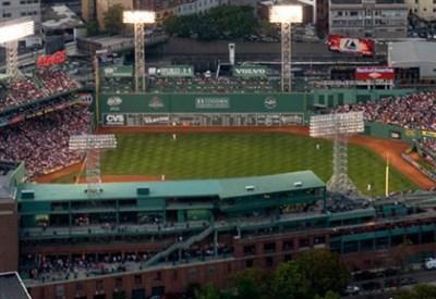 Al Fenway Park, casa dei Boston Red Sox di baseball, si gioca Roma-Liverpool