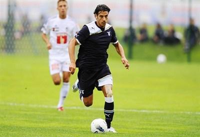 Sergio Floccari con la maglia della Lazio (infophoto)