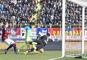 VIDEO/ Bologna-Inter (0-1): highlights e gol della partita. Pioli: Miranda? nessun rimpianto, bene Joao Mario  (Serie A 2016-2017, 25^ giornata)