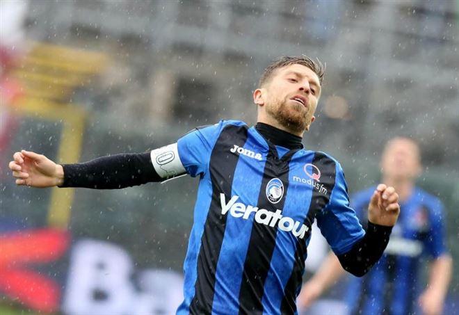 Masiello, dalla squalifica al gol in Europa League contro l'Everton