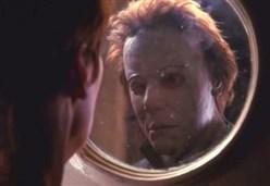 BLOOPERS/ Il coltello, il telefono e gli errori nei film della saga di Halloween
